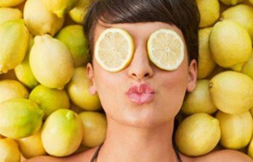 Siyah noktalarda etkili limon maskesi